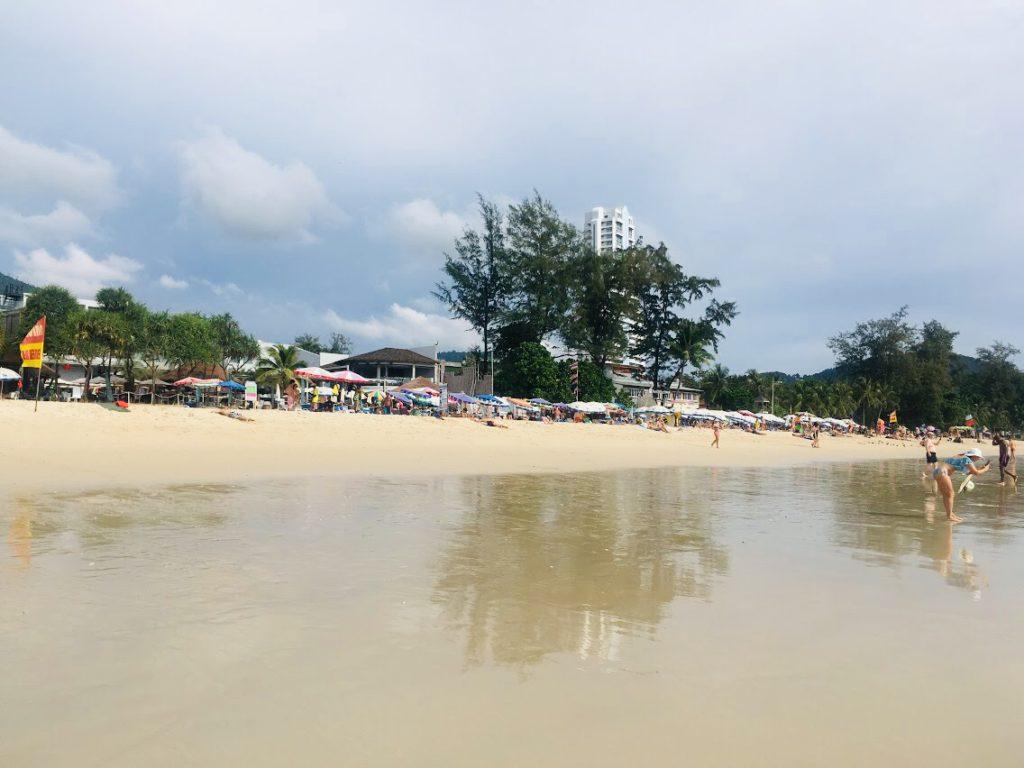 パトンビーチを観光する!