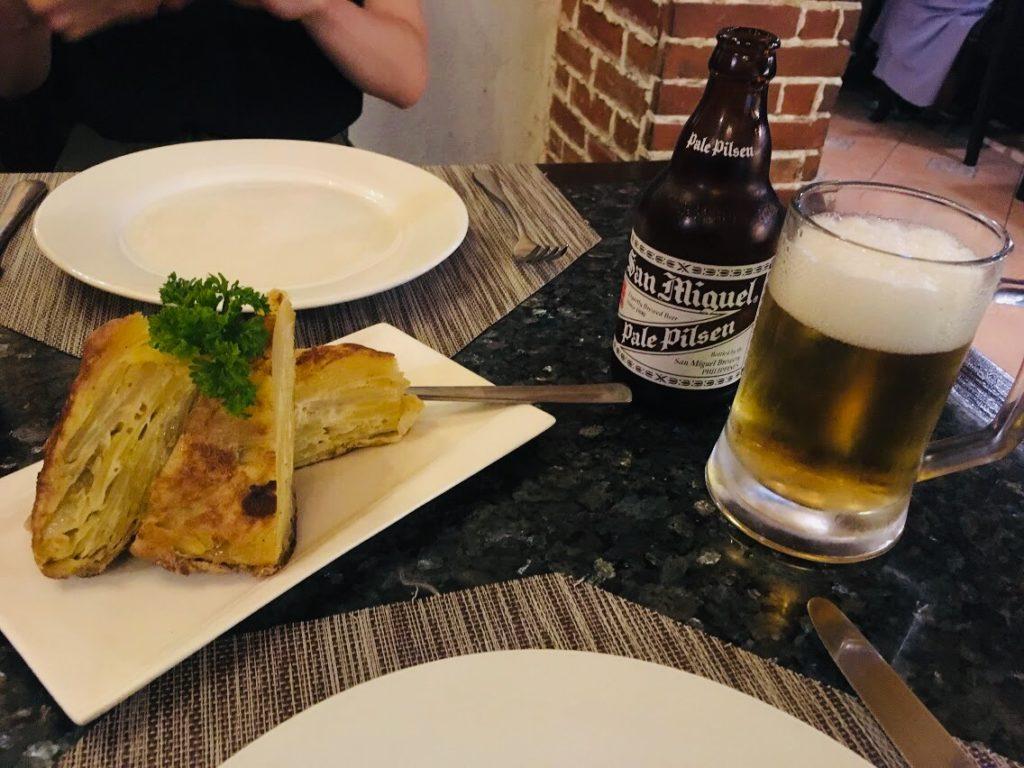 セブのスペイン料理店で食べるスパニッシュオムレツ