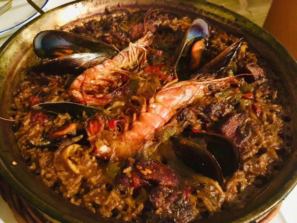 バルセロナのおすすめレストランLa Fondaのパエリア