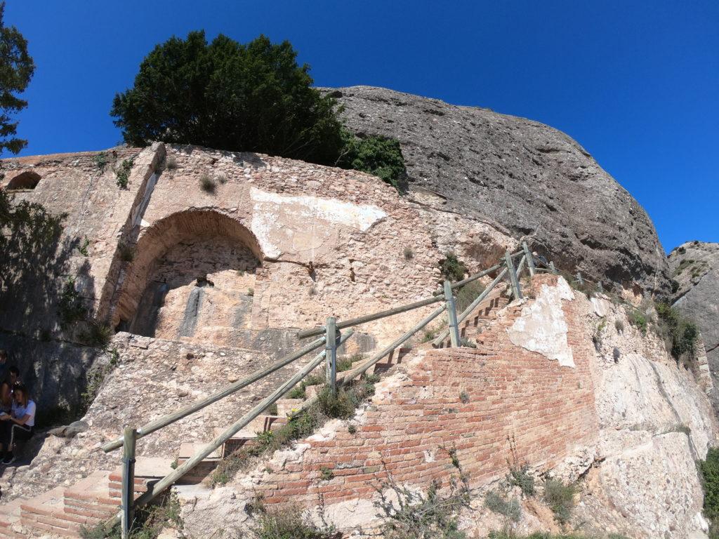 モンセラットハイキング中の階段を観光!