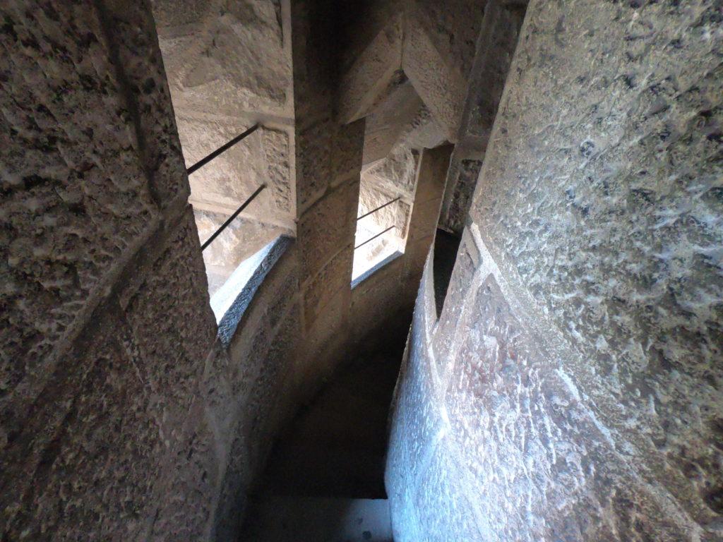 サグラダファミリアの階段を観光