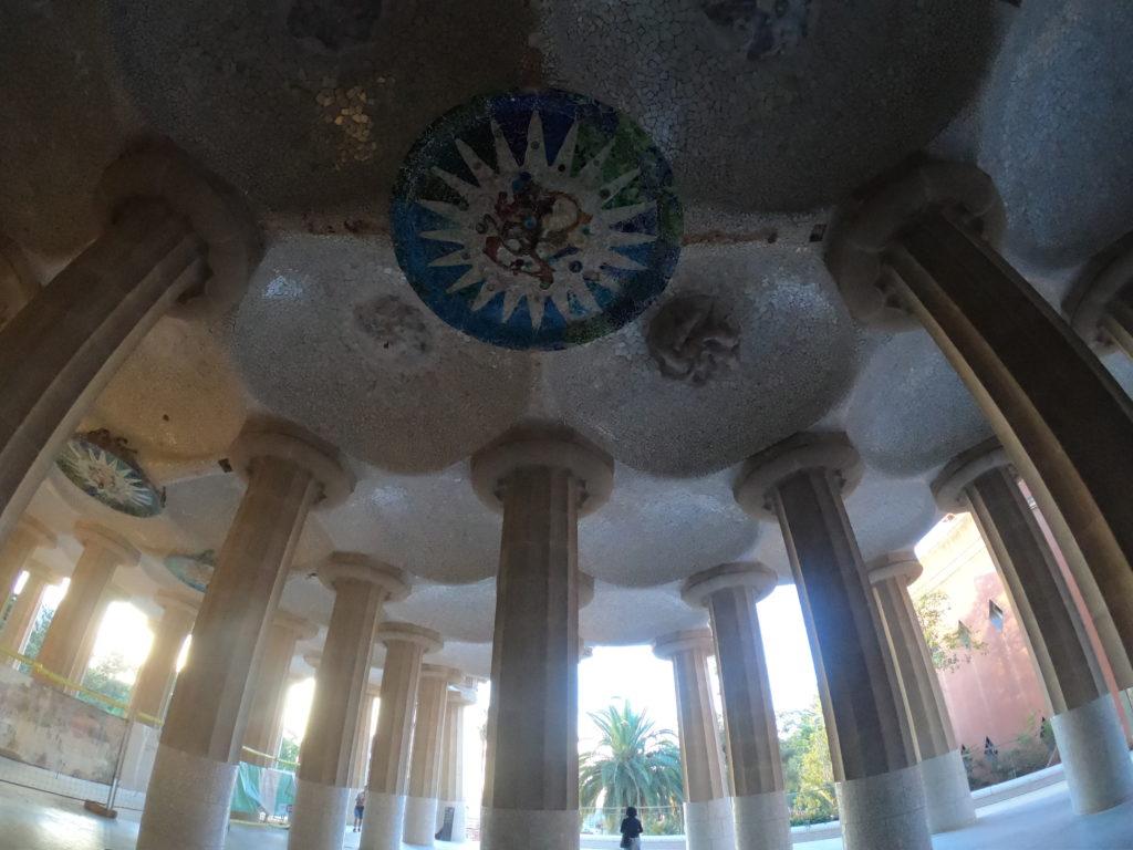 グエル公園の天井も無料で見れる