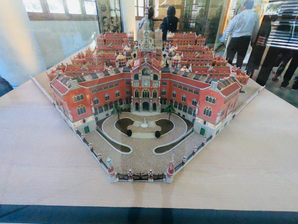 観光しながらサンパウ病院の全体模型