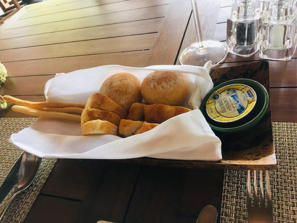 アナンタラ・ラヤン・プーケットのレストランで出る前菜