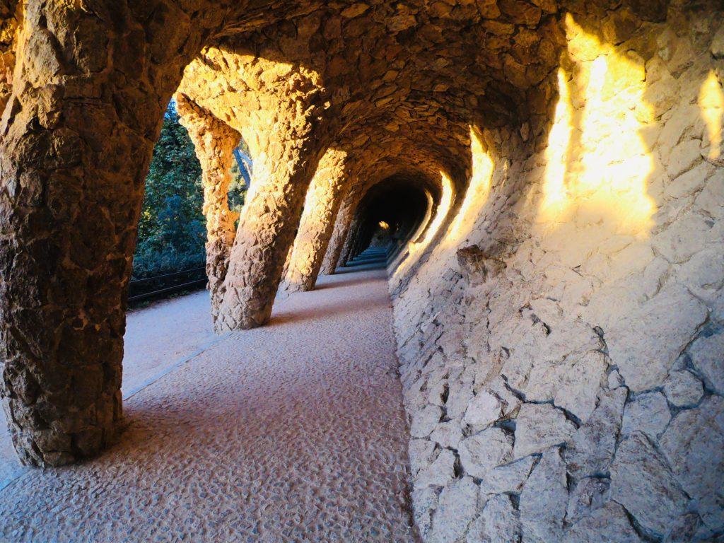 無料で開園前のグエル公園の隠れフォトスポット