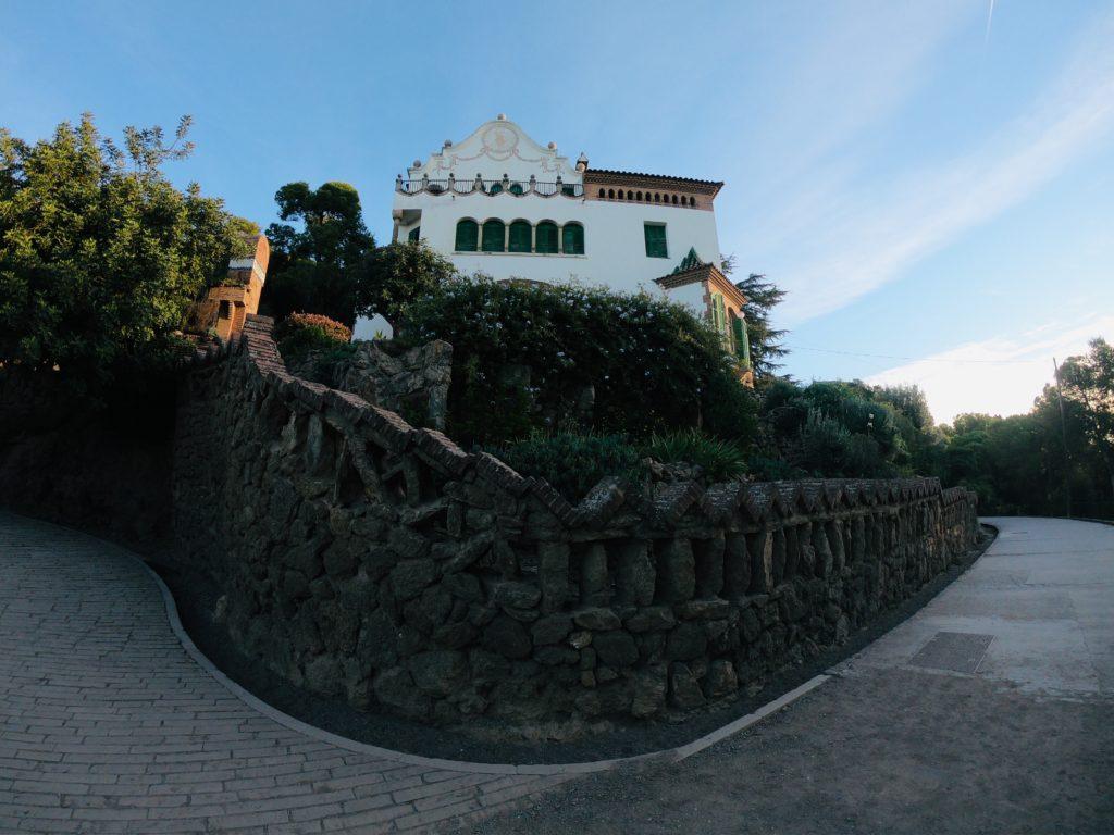 グエル公園の無料エリアにある家