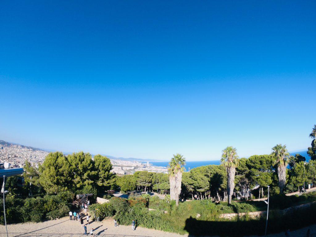 バルセロナのモンジュイックから見るバルセロナ観光