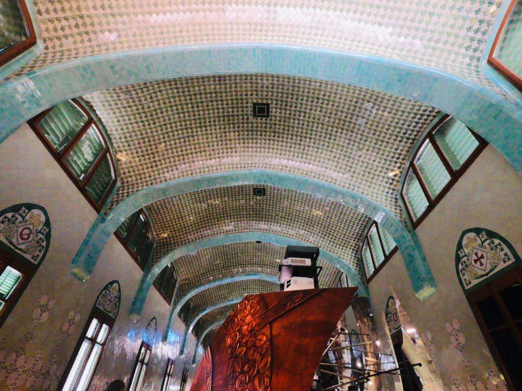 バルセロナを感じるサンパウ病院のアート展示を観光