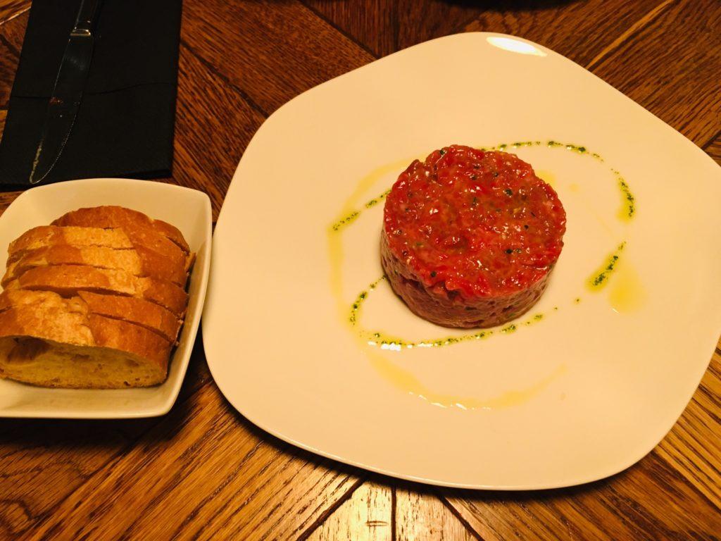 おすすめBardeniお肉のタルタル_バルセロナ