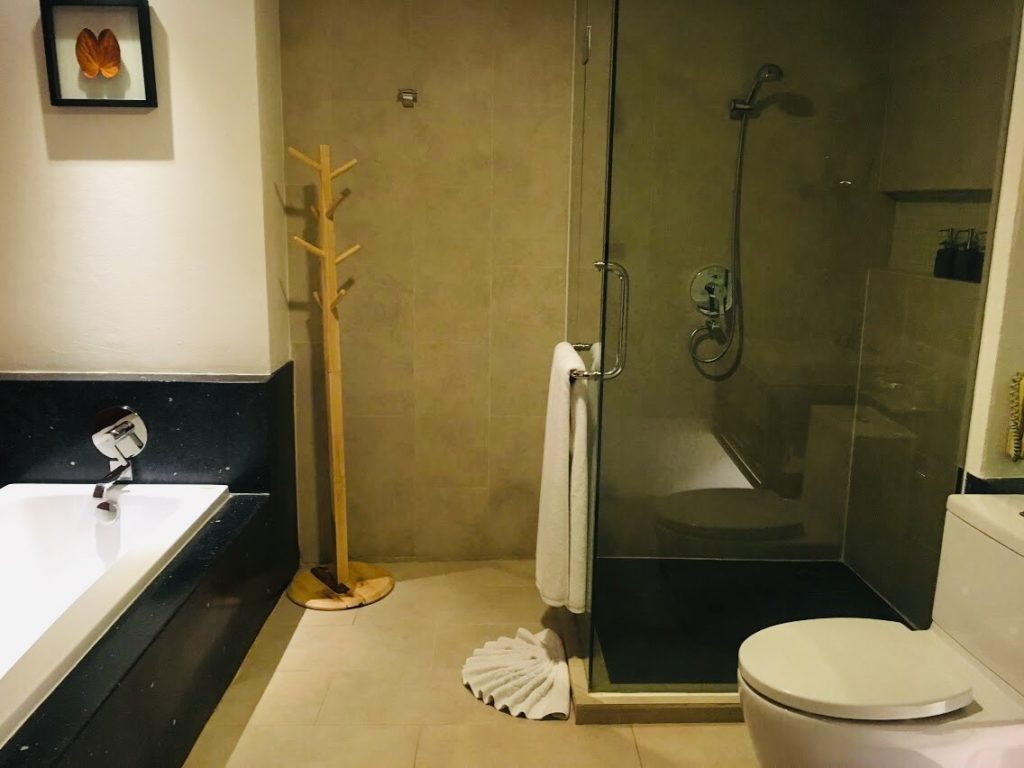 ラ・フローラのバスルーム