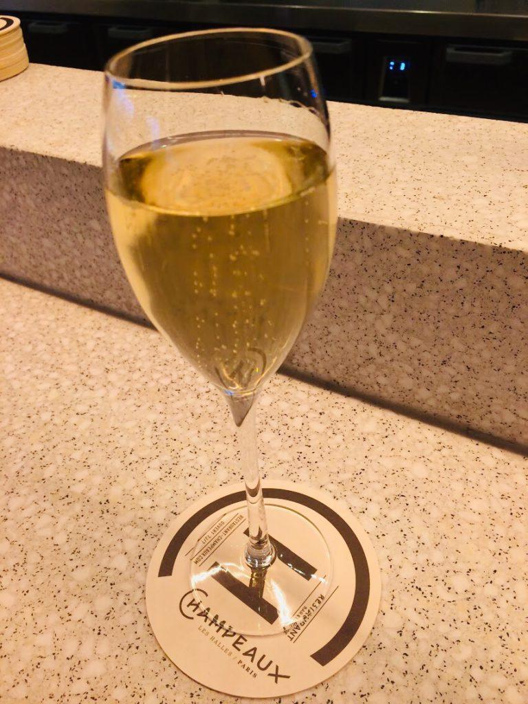 パリのおすすめモダンレストランで乾杯!