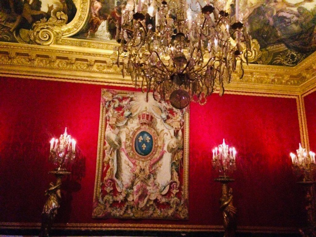 ヴェルサイユ宮殿のシャンデリラを観光!