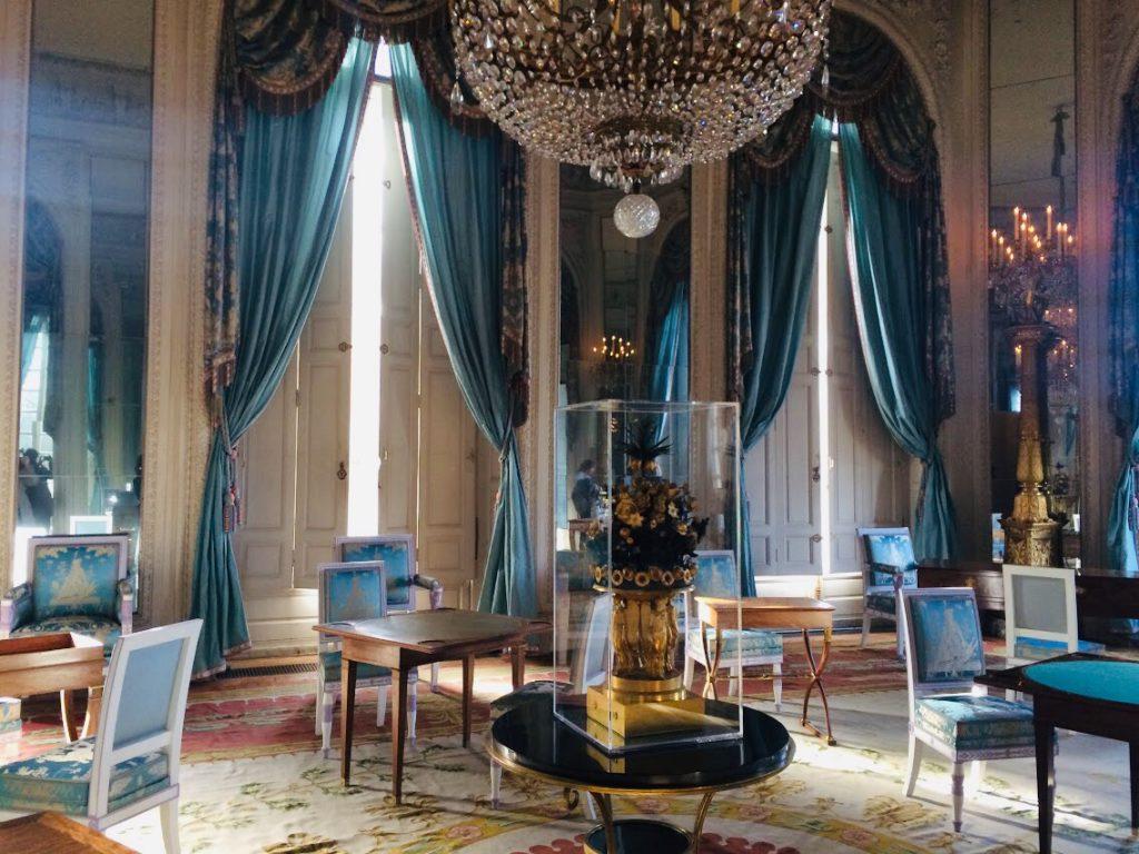 観光!ヴェルサイユ宮殿とはちがい、かわいらしいものが多い