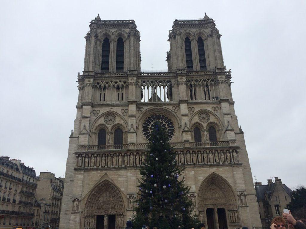 パリのおすすめ観光スポットノートルダム大聖堂