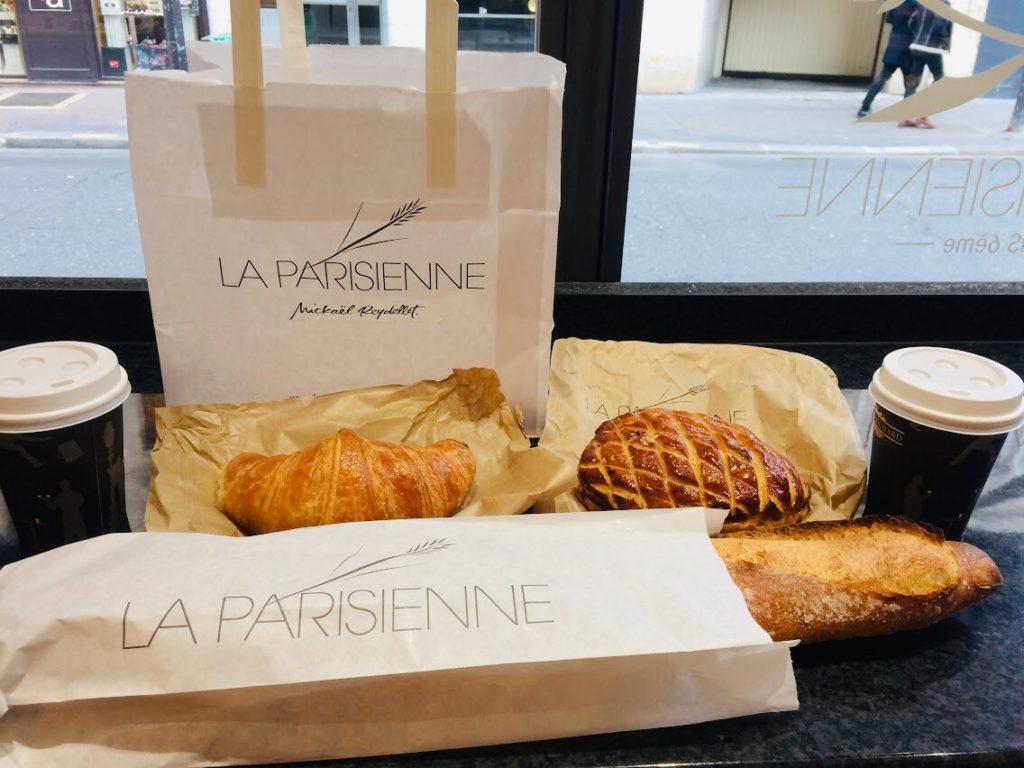 パリのおすすめパン屋さんのクロワッサンやバゲットたち
