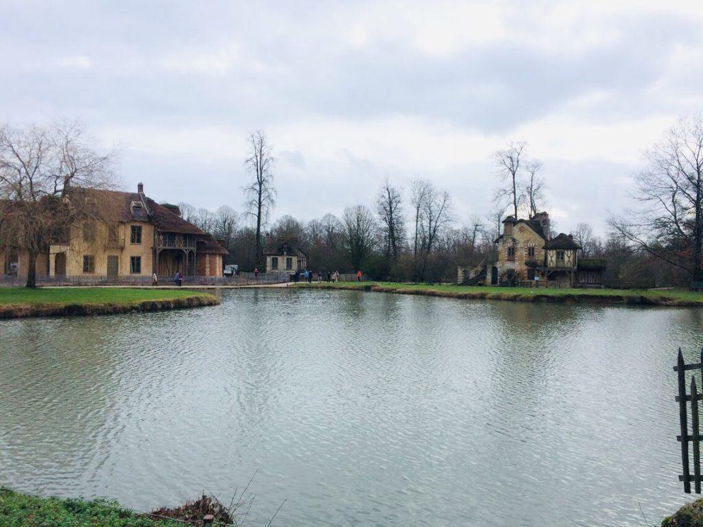 ヴェルサイユ宮殿のマリーアントワネットの離宮を観光