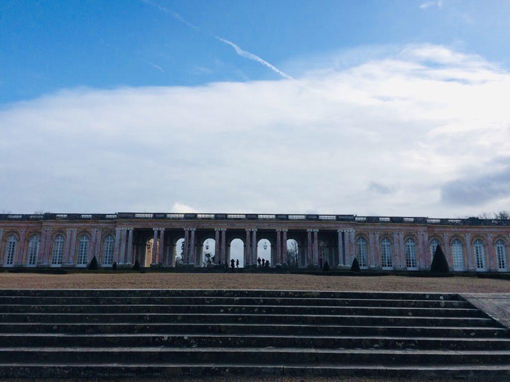 ヴェルサイユのグラン・トリアノンの外観を観光!