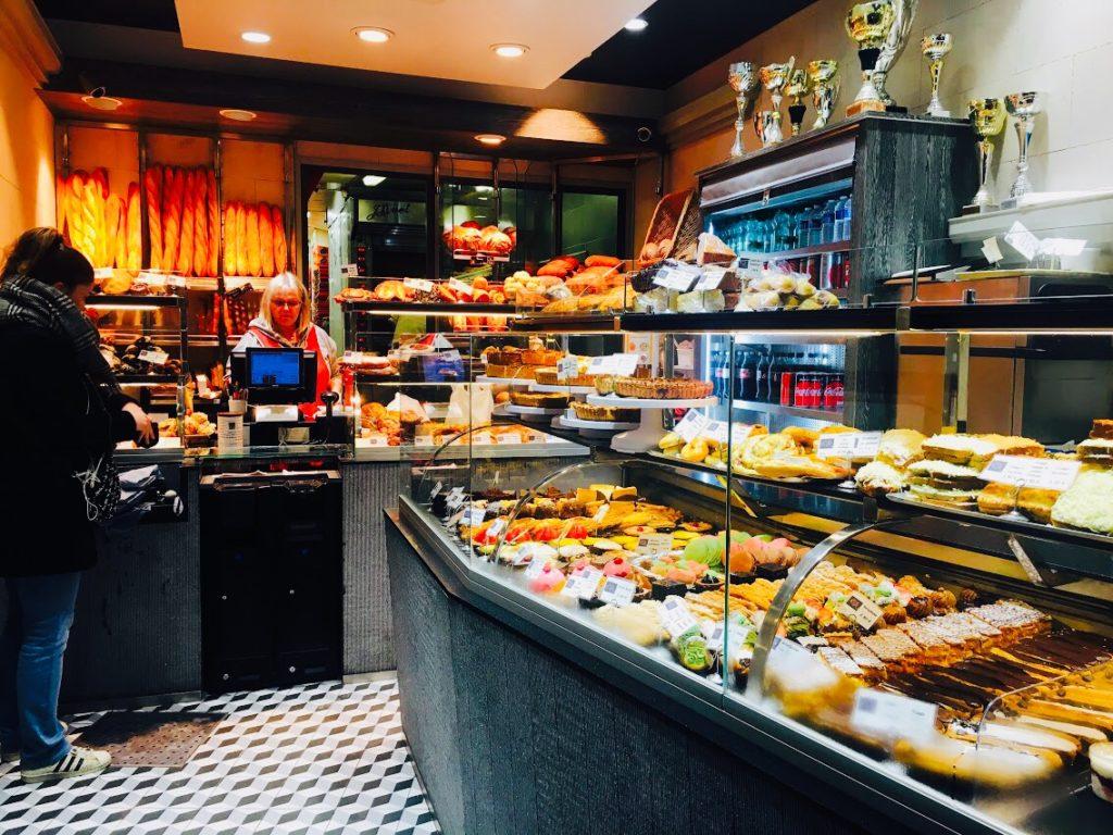 パリのおすすめパン屋さん!クロワッサンがおすすめ!