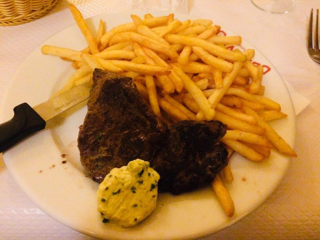 パリのおすすめ食堂シャルティエのステーキ