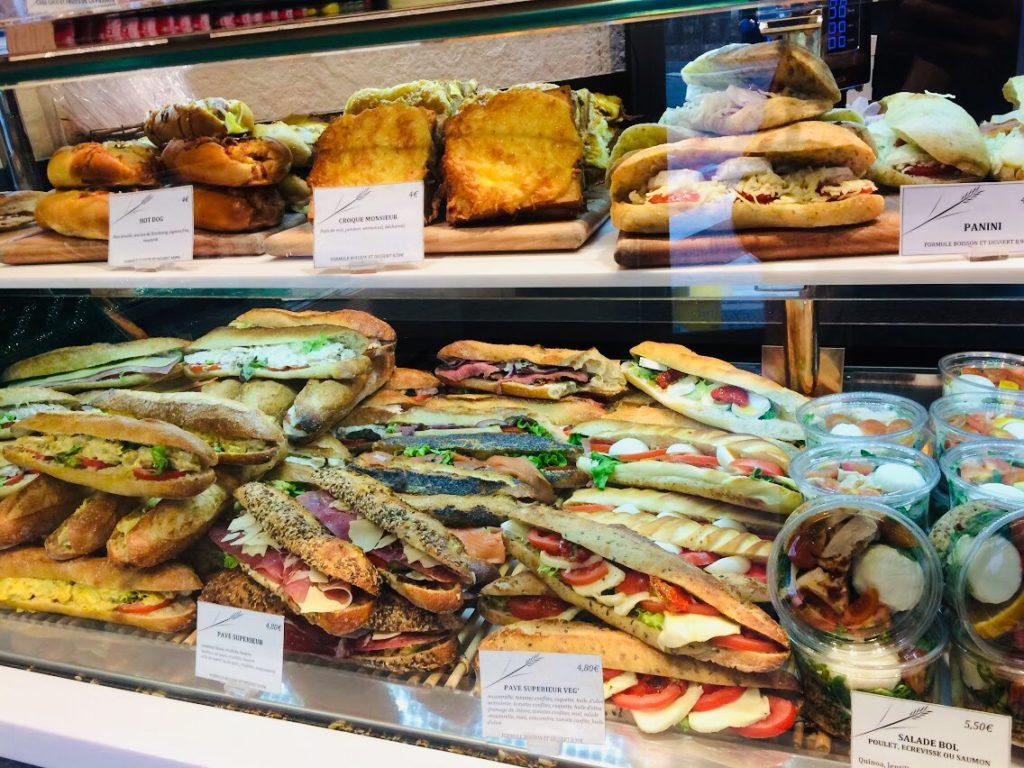 パリのパン屋さんのサンドイッチ!クロワッサン以外も
