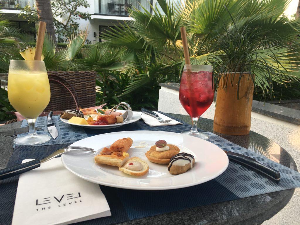 リゾートホテルメリアダナンで楽しむ軽食