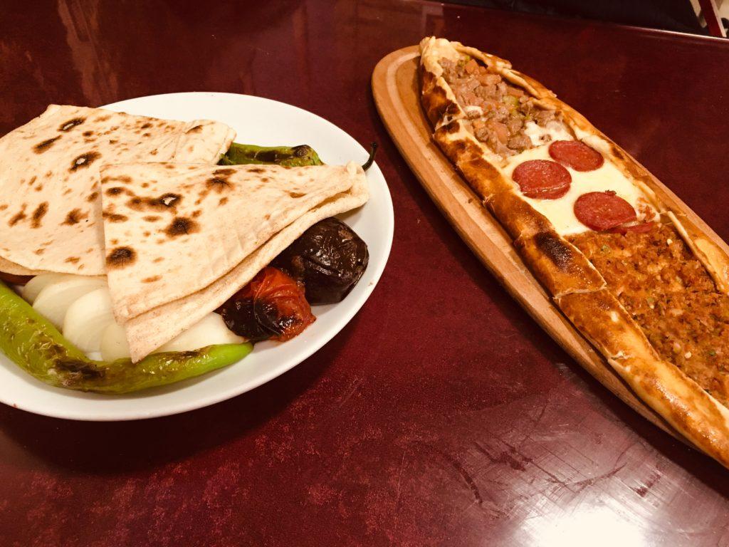 イスタンブールのおすすめグルメ&レストラン・トルコピザ!