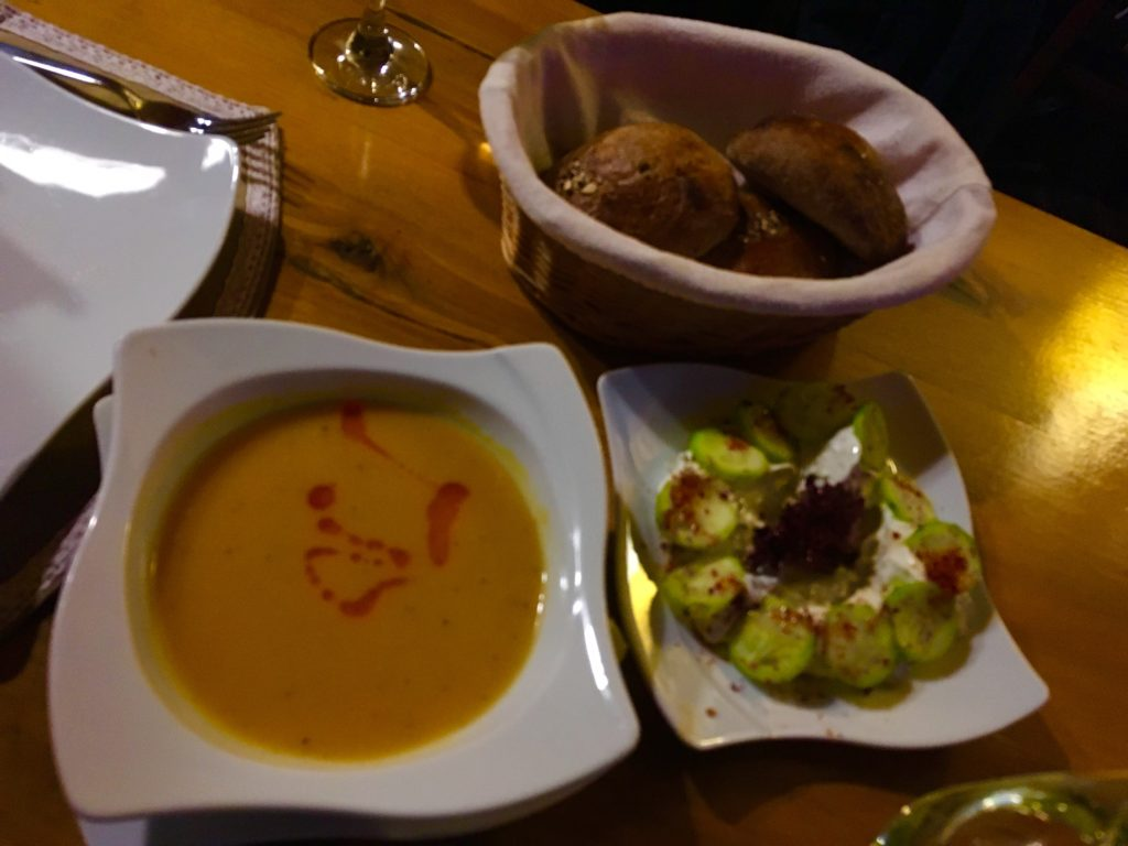 カッパドキア・ギョレメのおすすめレストランでいただく前菜!