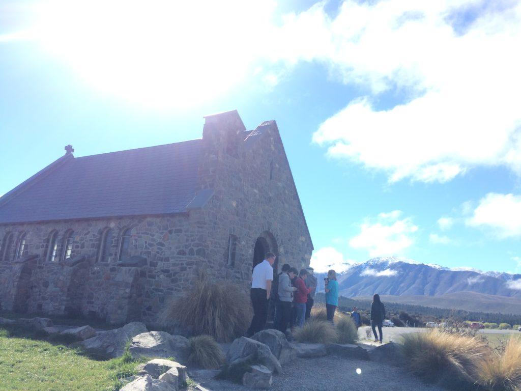 テカポ湖で有名な観光スポット羊飼いの教会