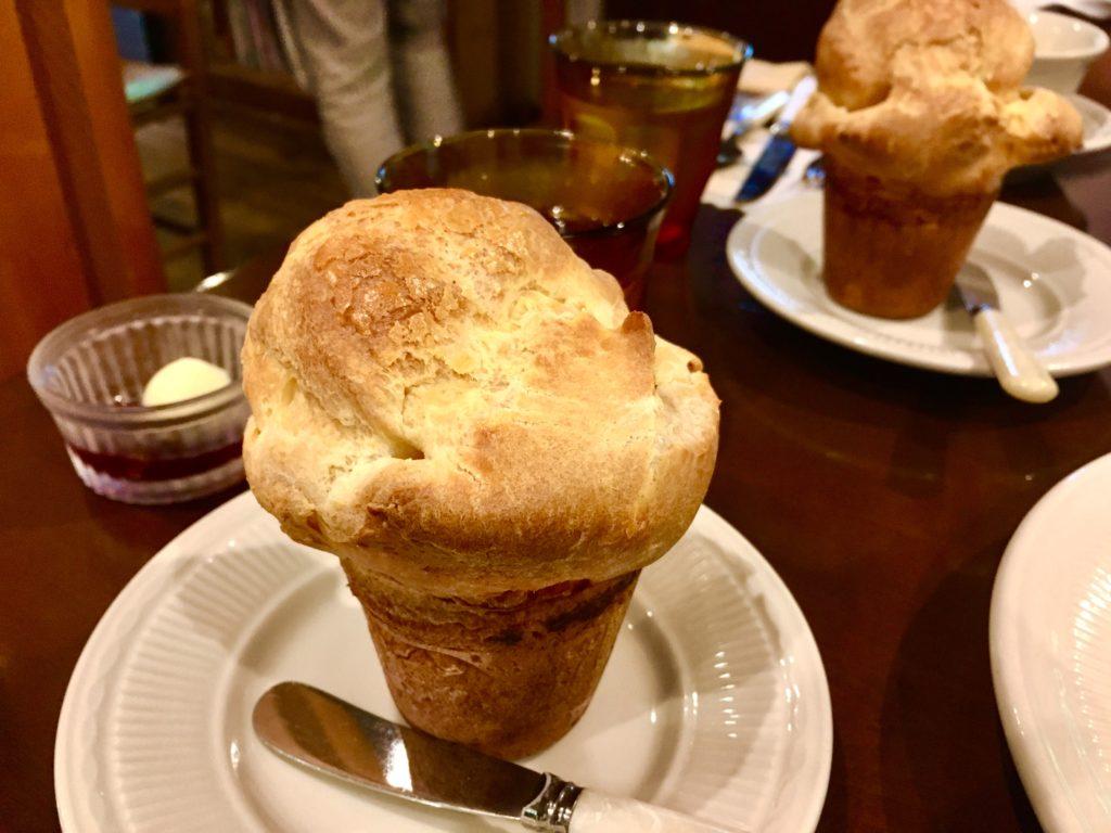 軽井沢のおすすめカフェ朝食ポップオーバー