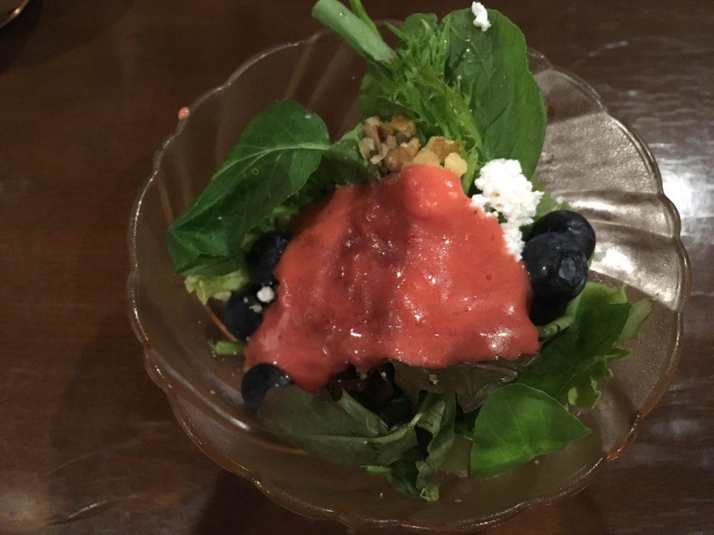 軽井沢のおすすめカフェ朝食サラダ