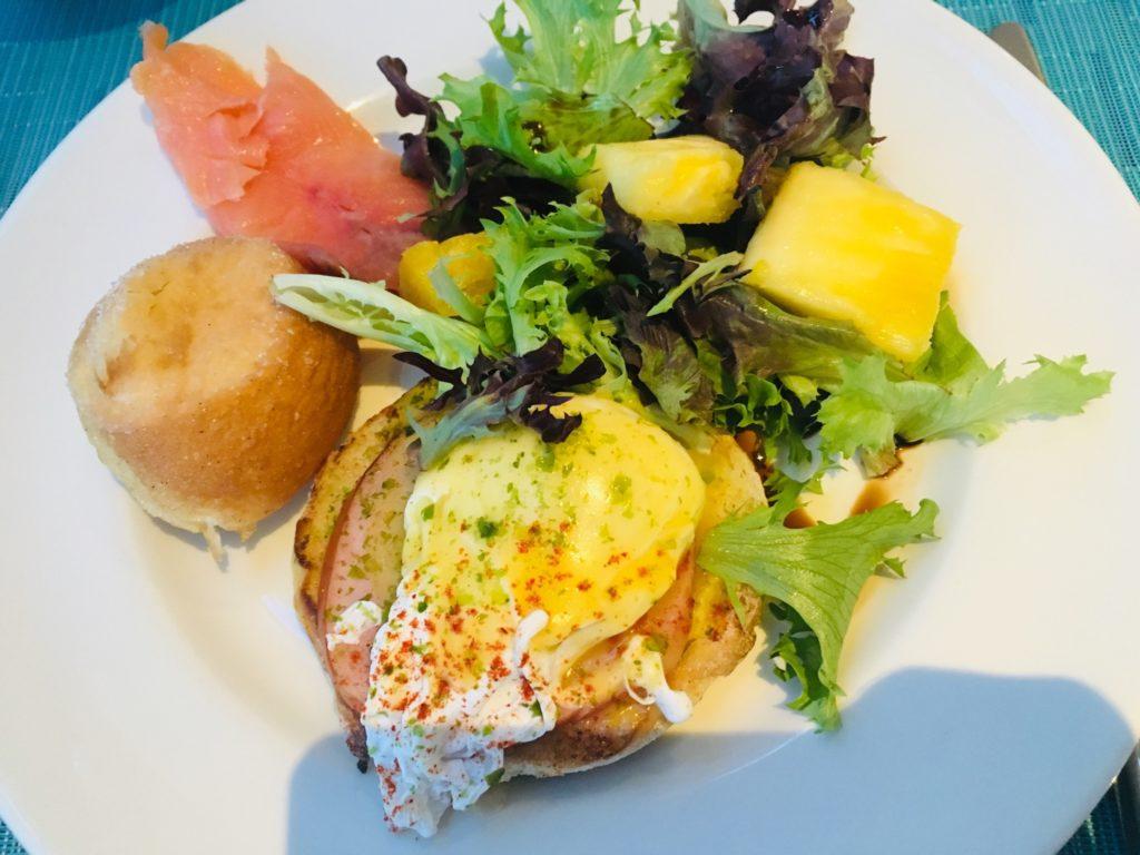 ハワイのおすすめレストランエッグベネディクト
