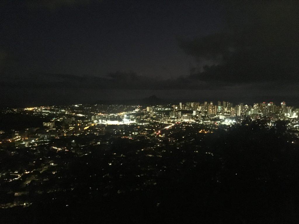 タンタラスの丘ツアーでは夜景が見れる!