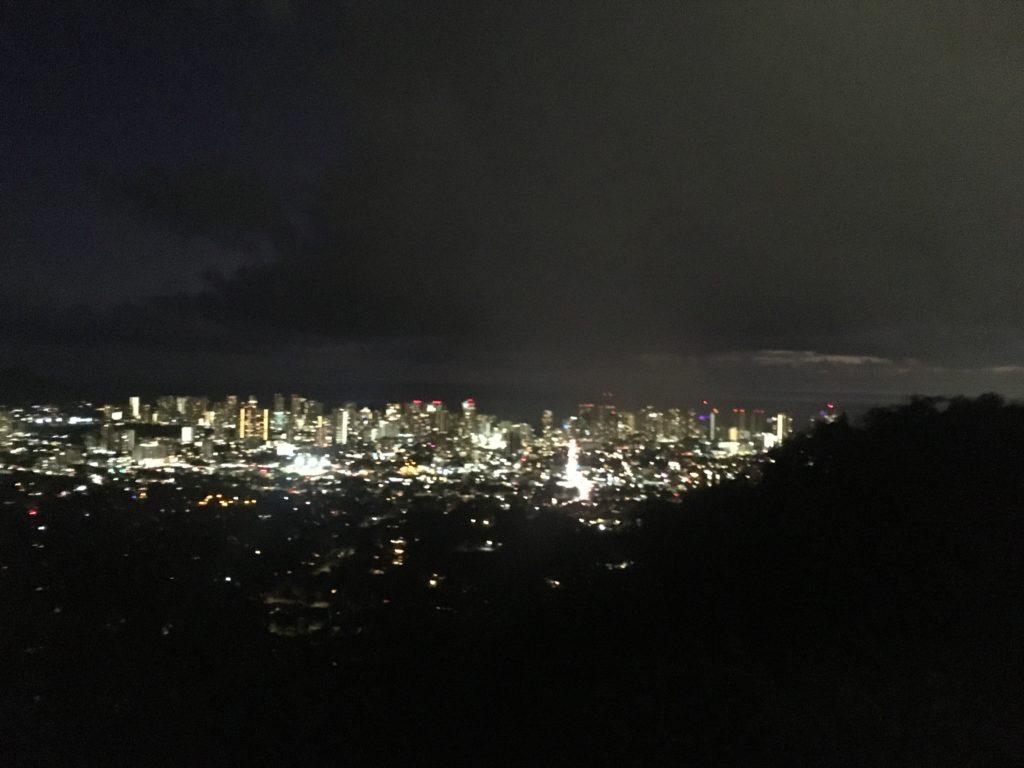 タンタラスの丘ツアーで見る夜景