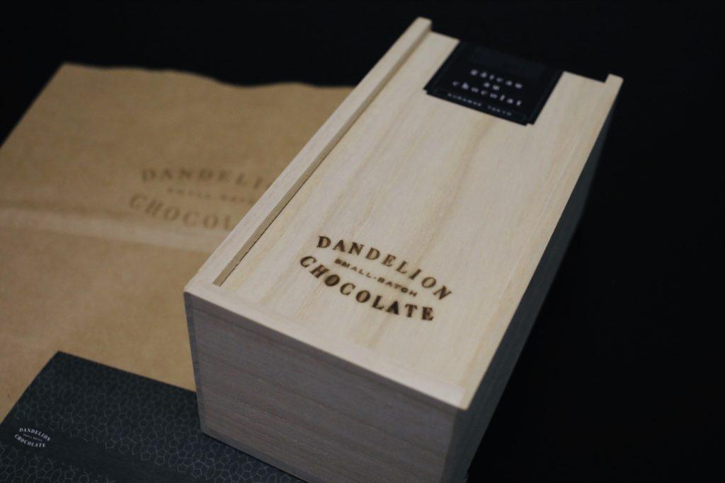 おすすめお取り寄せガトーショコラダンデライオンチョコレートの外装箱